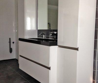 Badkamer hoogglans wit